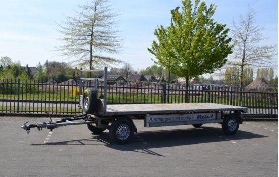 Schamel aanhangwagens huren tot een lengte van 9 meter.