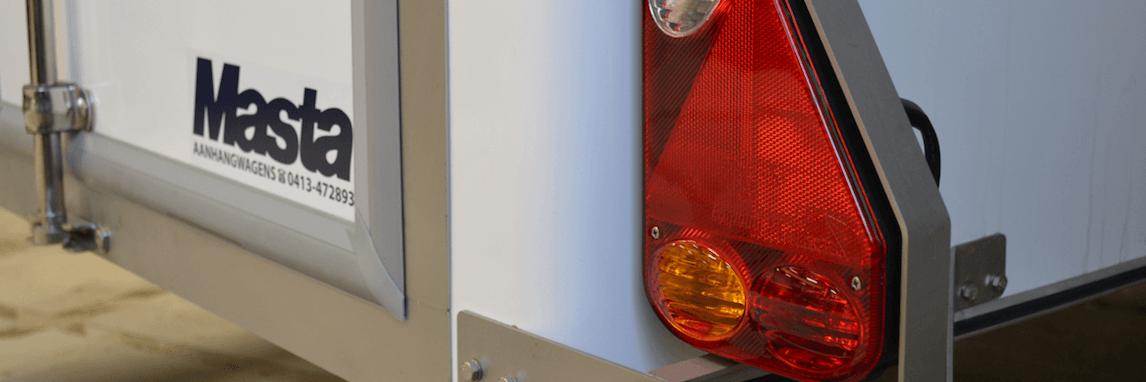 Onderhoud verlichting bij Masta Aanhangwagens
